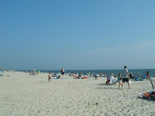 A sunny summer day at Bank Street Beach