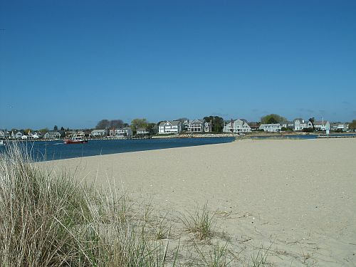 Bayview Beach, looking toward Hyannis Harbor