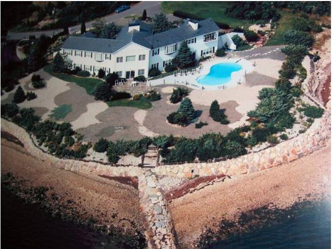 Click to read about this beautiful estate