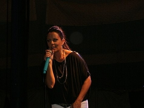 Sara Evans live on the Melody Tent stage