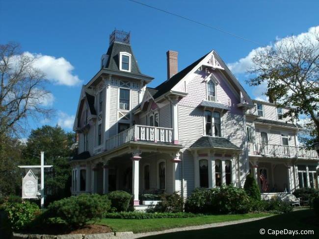 Historic inn in Sandwich MA